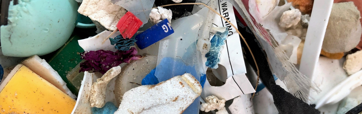 Photo of mixed trash found in the ocean.